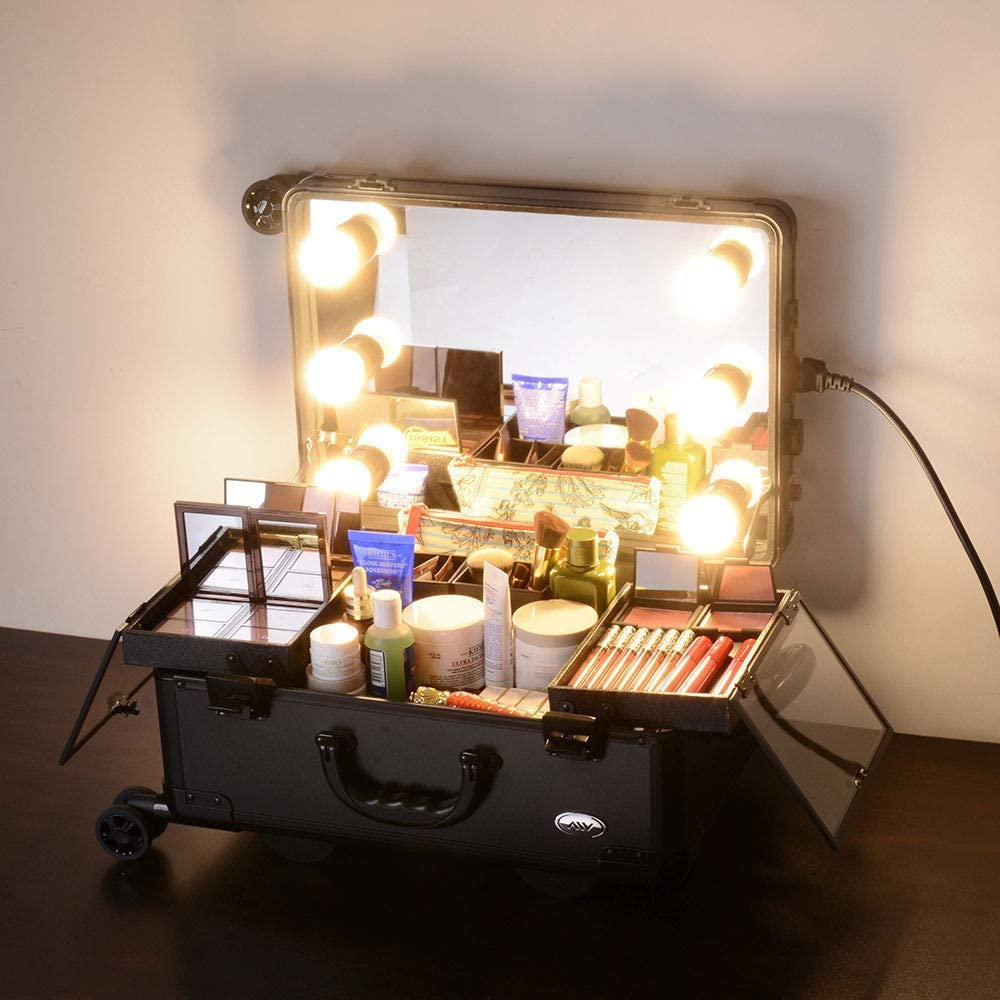 Professional makeup case equipped with mirror and LED bulbs and plugs, retro glam look