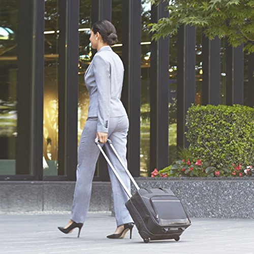 The adult wheeled bag is an increasingly popular professional baggage item for women.